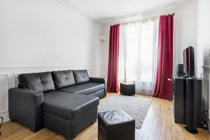 Spacious apartment- 15 min from Champs Elysées