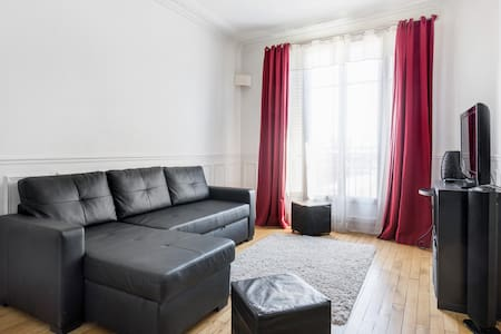 Spacious apartment- 15 min from Champs Elysées - Apartment