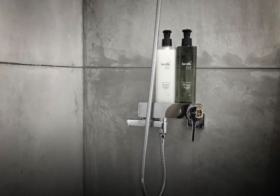 我們貼心的替您提供免費沐浴乳與洗髮乳