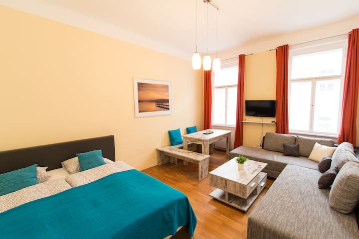 1 BR KLIMT Apartment for 6 people