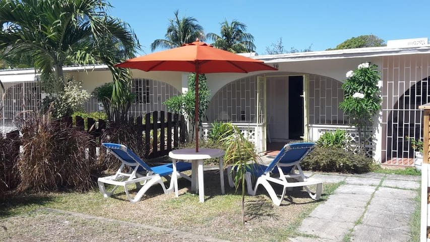 Cozy Holetown Apartment, St. James - Holetown