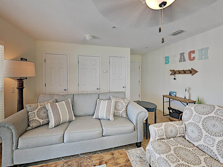 Private Condo, Steps from Beach. Relaxing Navarre Beach