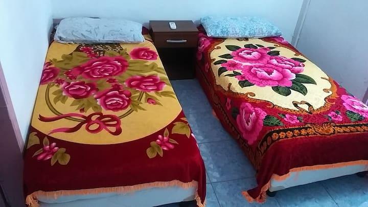 Habitación privada confortable Srs. Laura y Félix