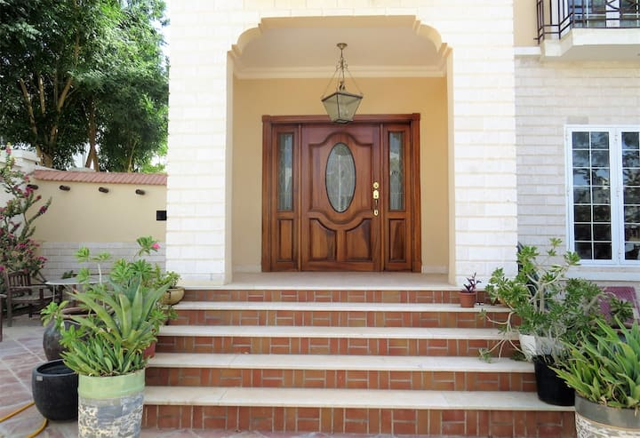 Muscat Guesthouse Garden View Upscale Location