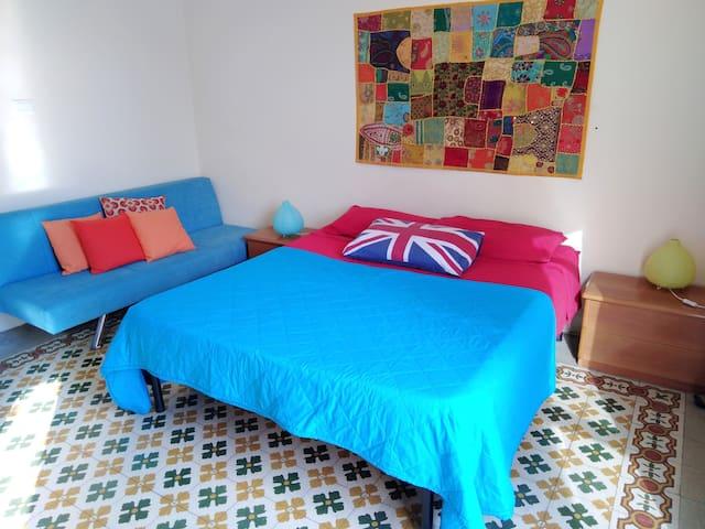 Amazing room with private balcony? Da CLAUDIA 3!