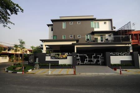 I-homey Guesthouse - Alor Setar - Konukevi