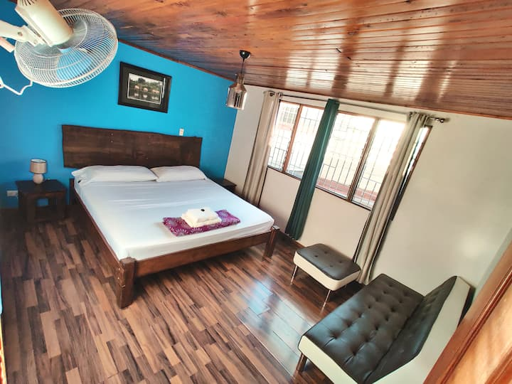 Private Room with King Size bed- Private bath