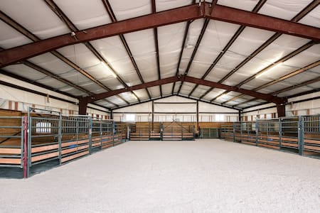 HORSE Property 2 miles from Colo Horse Park