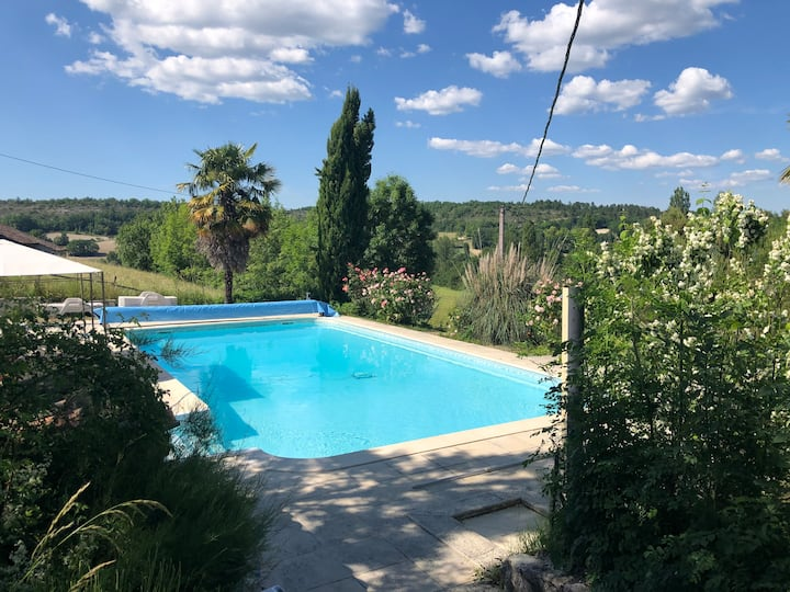 Beautiful rural location, heated swimming pool