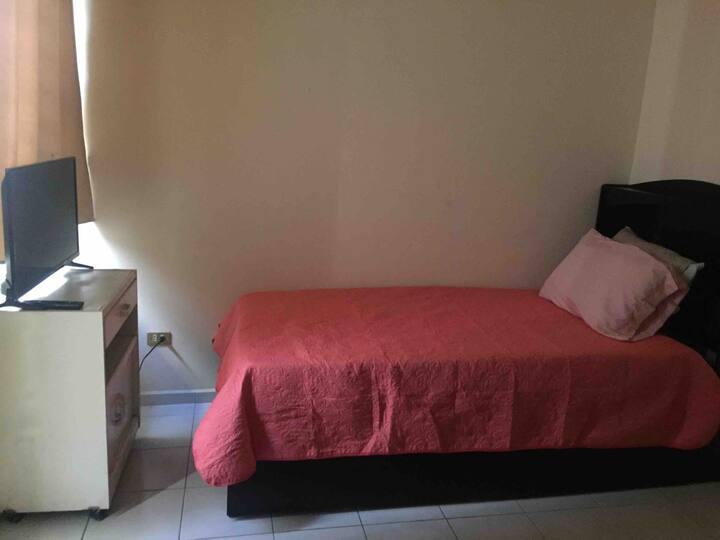 5 Habitación en casa con alberca con baño privado