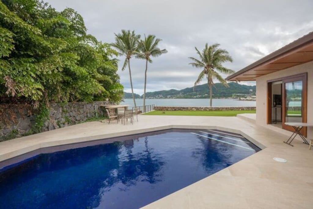 Springer Estate private pool looks out to Kaneohe Bay.