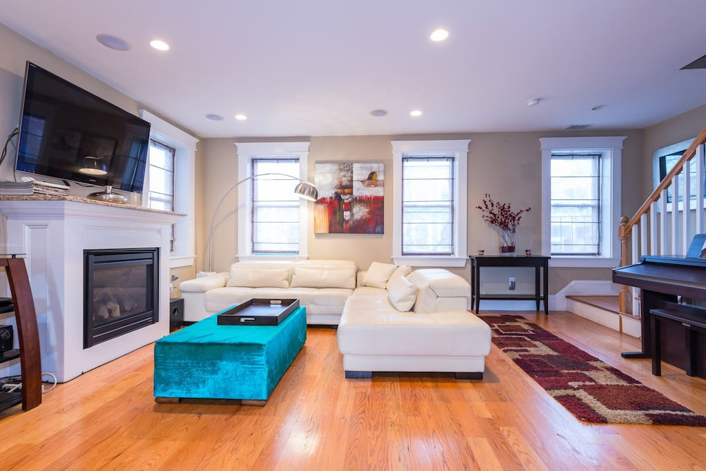 Luxurious South Boston Duplex Bcec Redline T