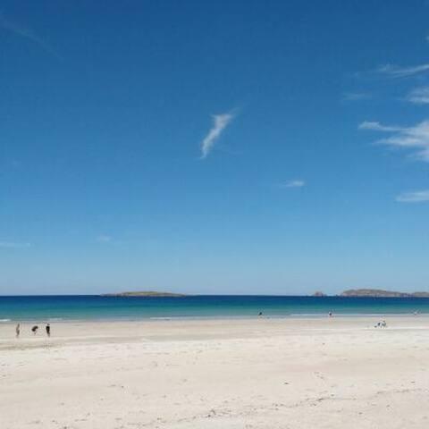 Carrickfinn beach - 15 mins away