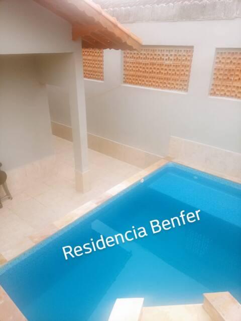 Casa nova com Piscina em Mongaguá
