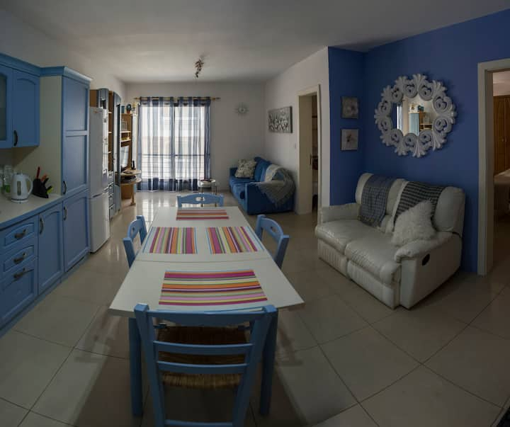 sliema 2 bedroom Apartment. Car space available.