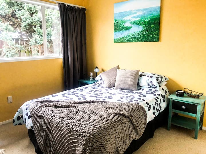 Spacious, secluded & affordable - 1.5 km from CBD