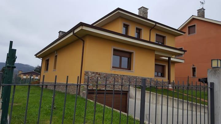 casa familiar en luarca