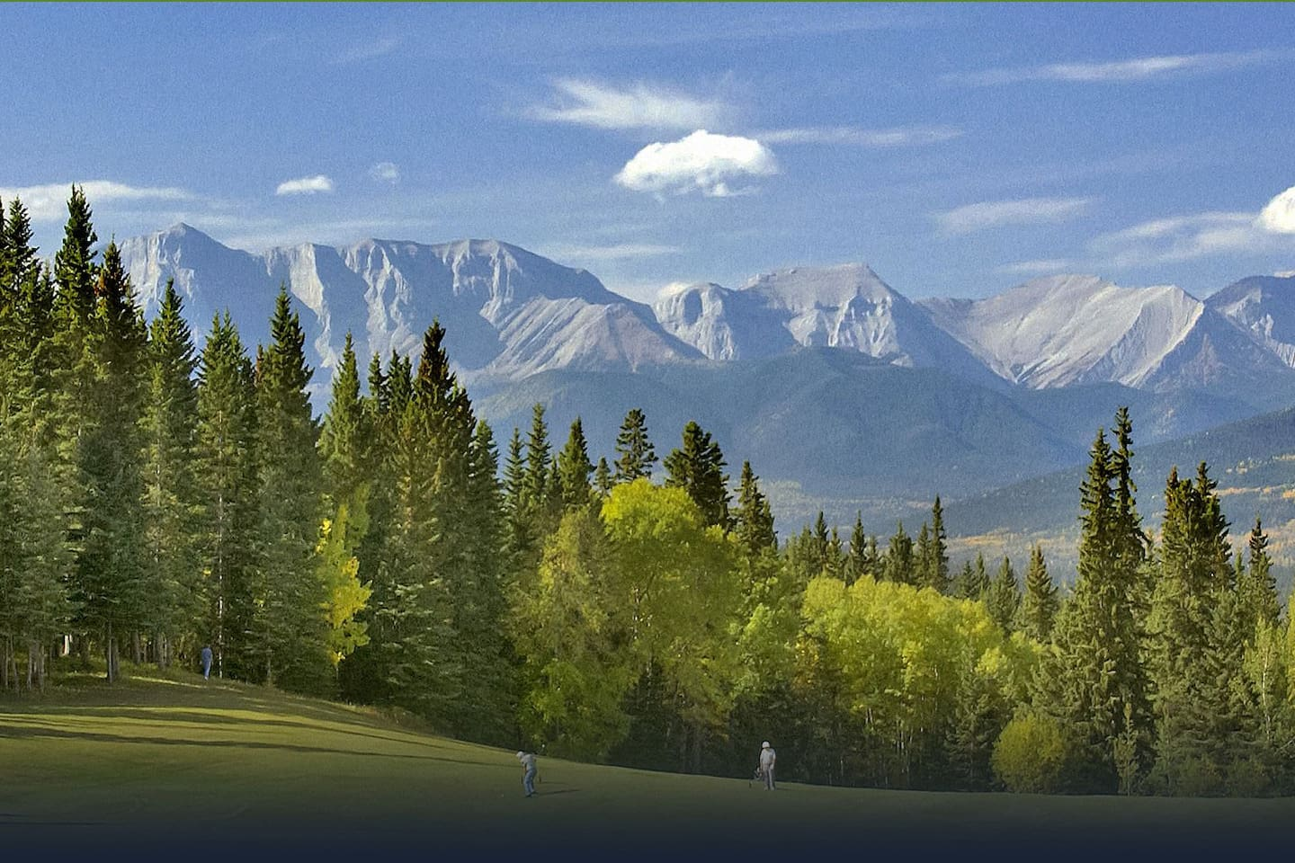 Hinton is situated in the foothills of the Rocky Mountains near Jasper National Park.