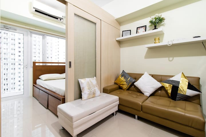Fully furnished 1 BR in Makati with WiFi