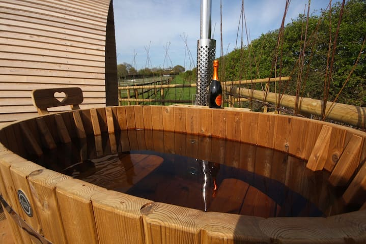 Armadilla 2 at Lee Wick Farm Cottages & Glamping