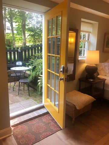 Redbud Garden Suite