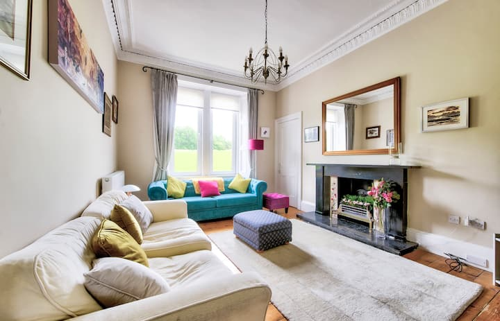 Lovely Apartment for 4 guests, close to Arthur's seat!