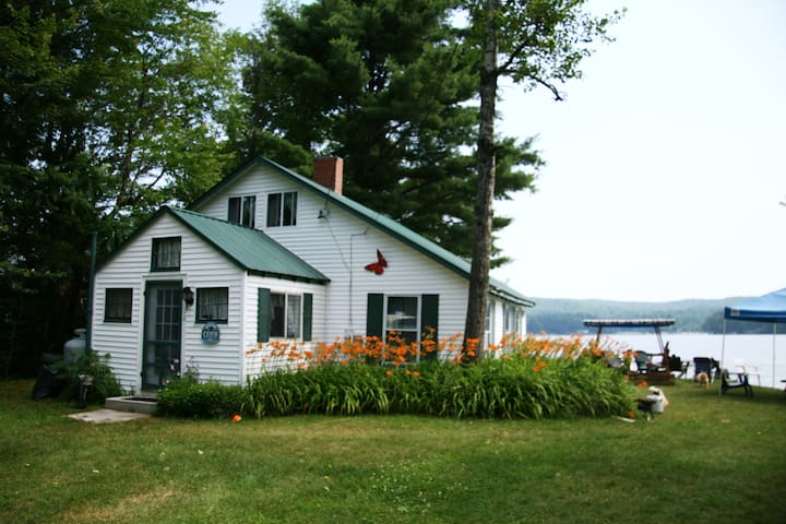 Cozy Long Lake Cottage