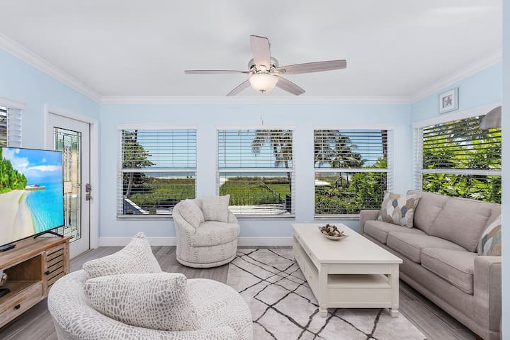 Comfortable living area with a view! Smart TV with cable and a queen size pull out sofa bed.
