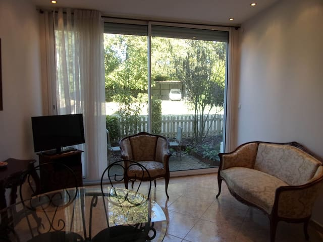 Appart discount 2 chambres terrasse - Pont-Sainte-Maxence - Castelo