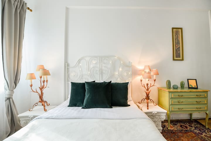 The Little Paris Apartment in Central Bucharest