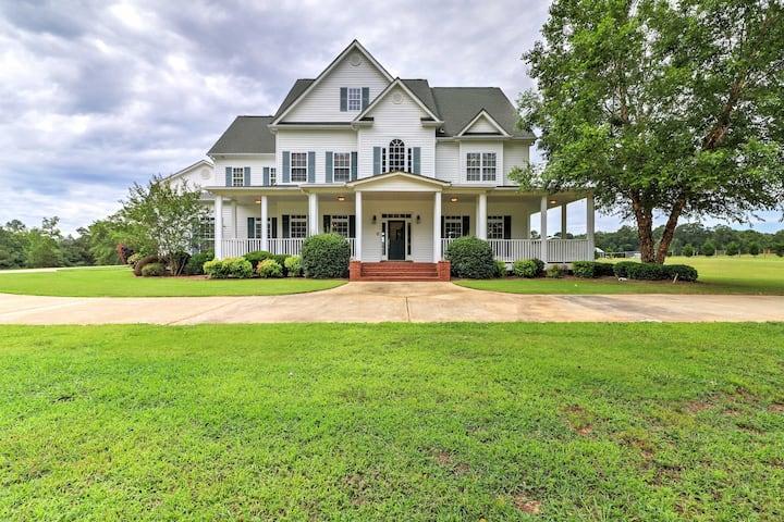 'The Farm Mansion' Georgia Home w/ Private Pool!