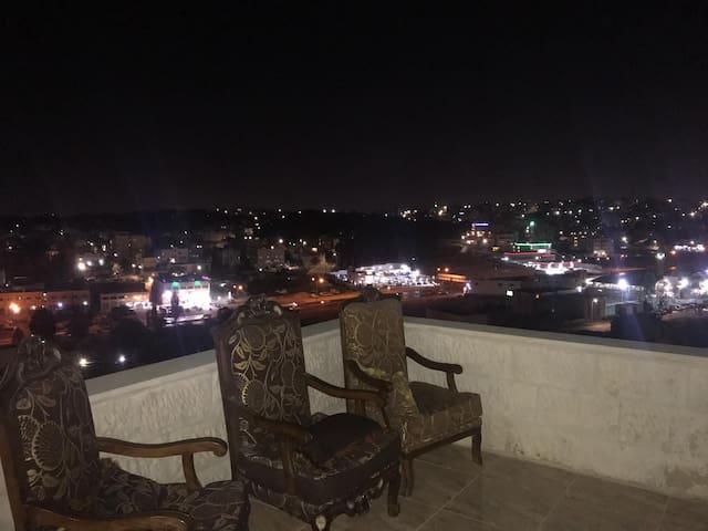 Terrace 990