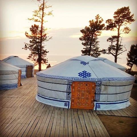 Alan Goa camping on the Baikal Lake - Турка - Yurt