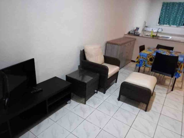 Mapusaga Riverside Apartment Spacious & cosy Apt 4