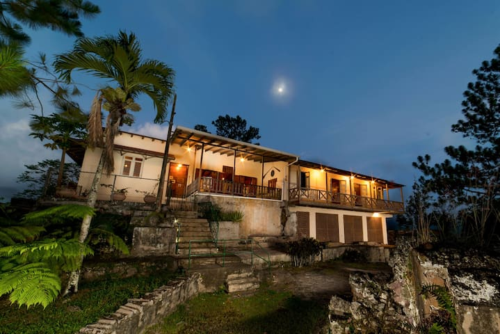 Hacienda Bona Vista-Meuseum w/Wi-fi - Castaner - Rumah