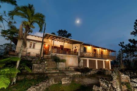 Hacienda Bona Vista-Meuseum w/Wi-fi - Castaner - 独立屋