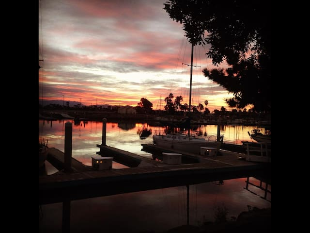 Channel Islands Waterfront Oasis - Oxnard - Apartment