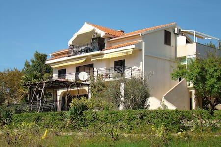 Apartments Davorka, Pag, Šimuni, Croatia (1) - Šimuni