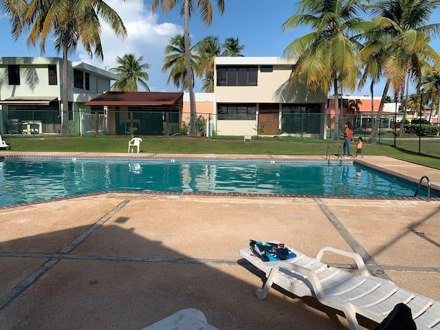 Villa de verano eterno, Eternal Summer Villa