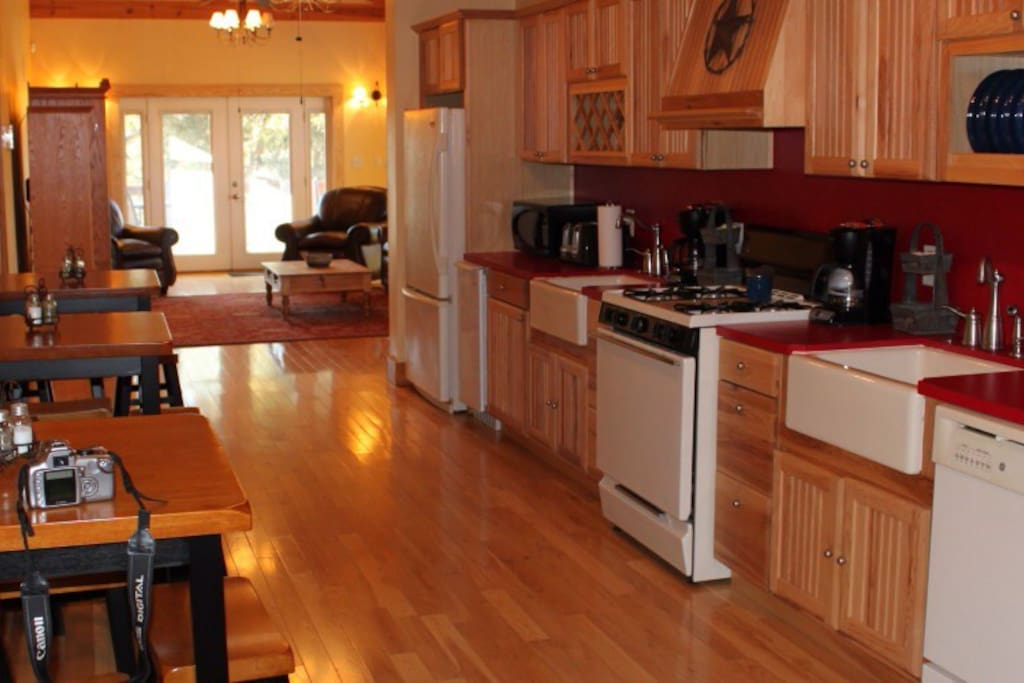 All guests have access to a fully stocked kitchen with coffee makers, microwaves, stove, refrigerator and ice maker.