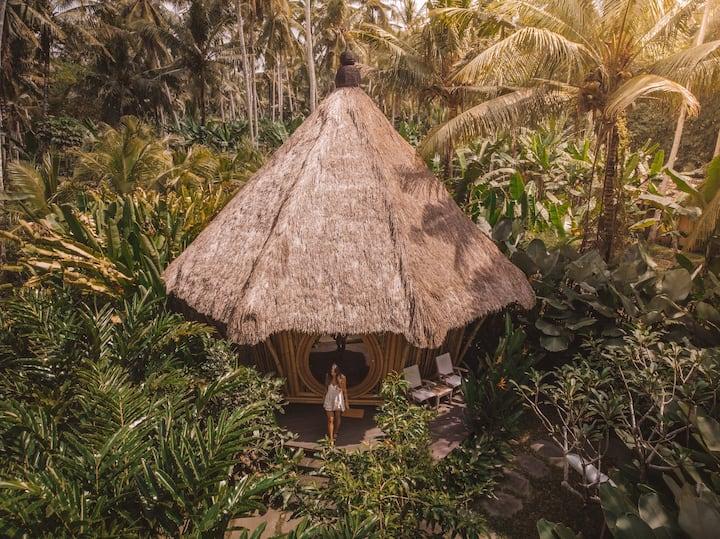 Pondok Kebun - 1 bd Eco Bamboo House, Pool, Garden