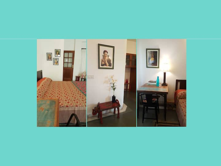 Private Room in Gurgaon-Frida Room at Sua Casa.