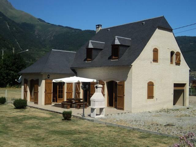 Maison indiv. 8 couchages près de St-Lary Soulan