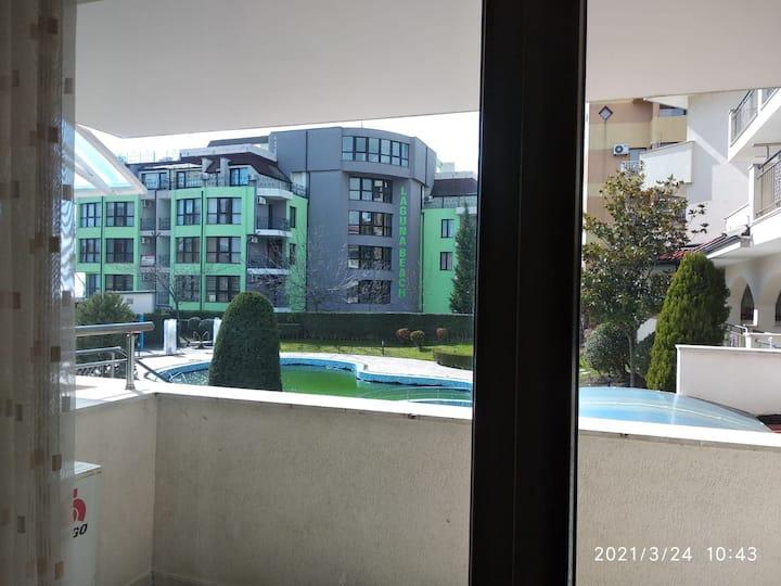 Апартаменты в Lesso рядом с морем.
