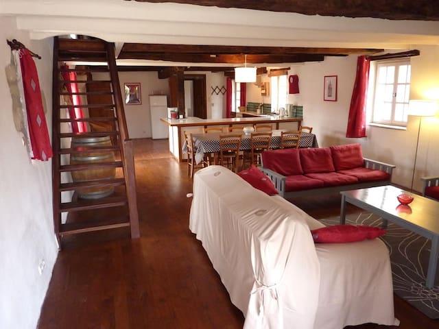 Grand gîte de 250 m2 dans Manoir - Ste Gemme - Huis