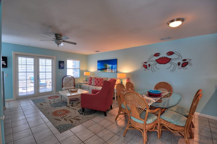 CASABELLA@DUVAL SQAURE Lovely 2 Bedroom 2.5 Bath Townhome in a great location