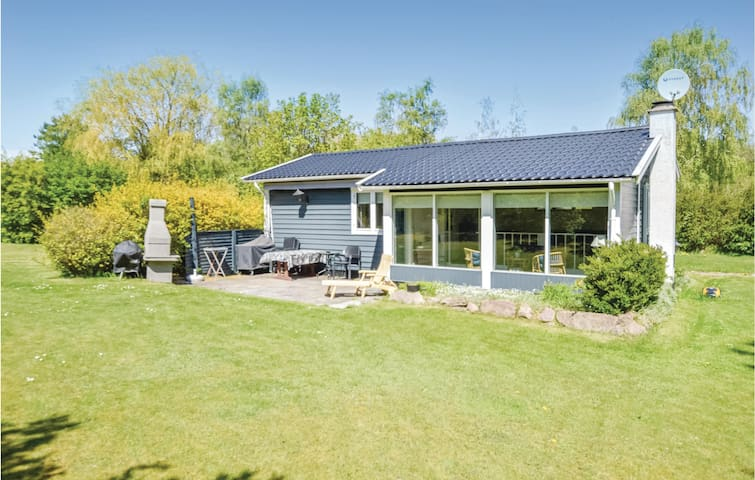Holiday cottage with 3 bedrooms on 60m² in Højby