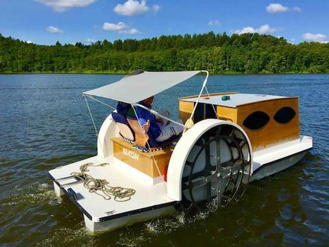 """Floßboot """"Bett & Boot"""" mit Kajüte in Mirow 2 P."""