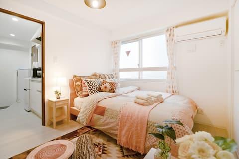 Homey modern apartment 1min to metro Sta.#302