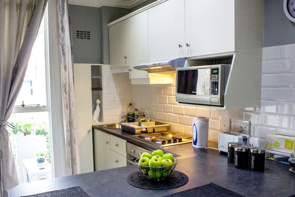 Fully functional kitchen (Oven & Stove)
